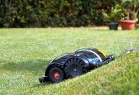 Chytrá zahrada 400m2 - automatická robotická sekačka TECH L6 bez nutnosti instalace a bez vodiče